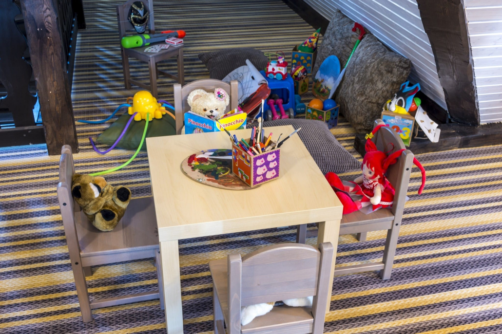 Loc de joaca pentru copii - Mansarda Conacului