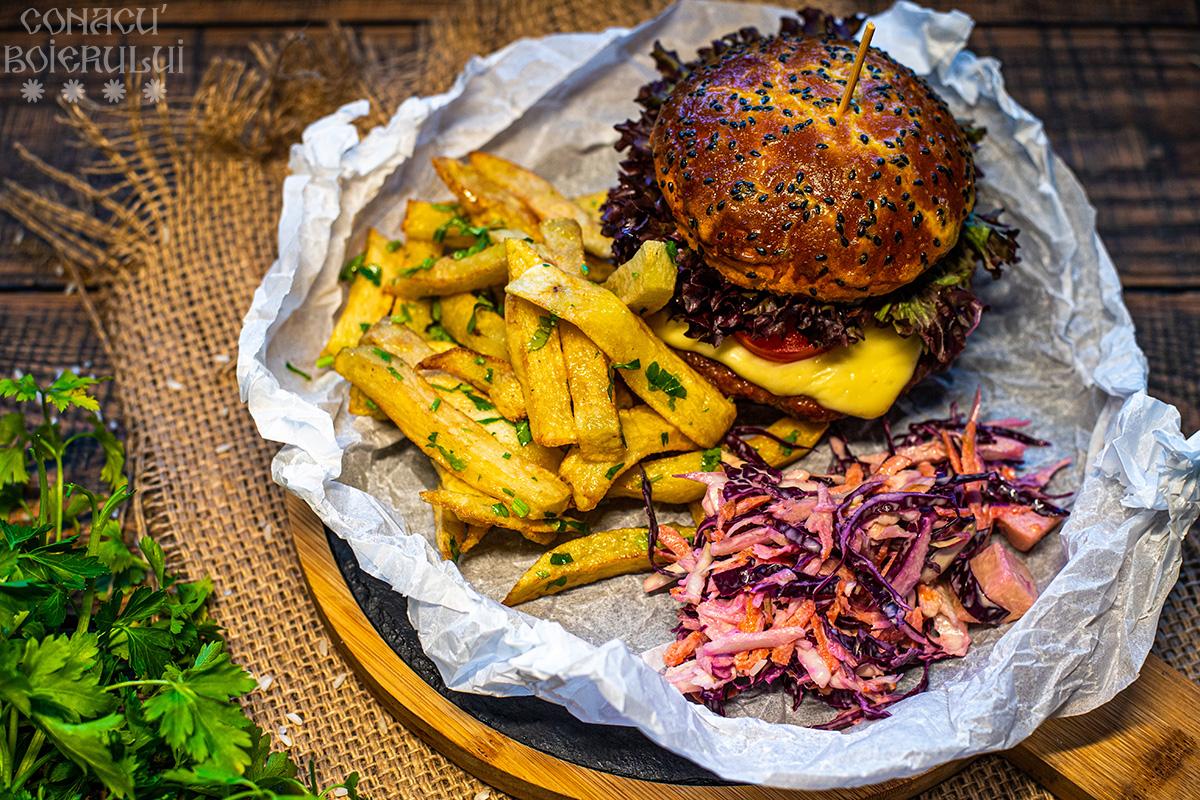 Restaurant Conacu' Boierului, Ponoarele, Mehedinti - Burger