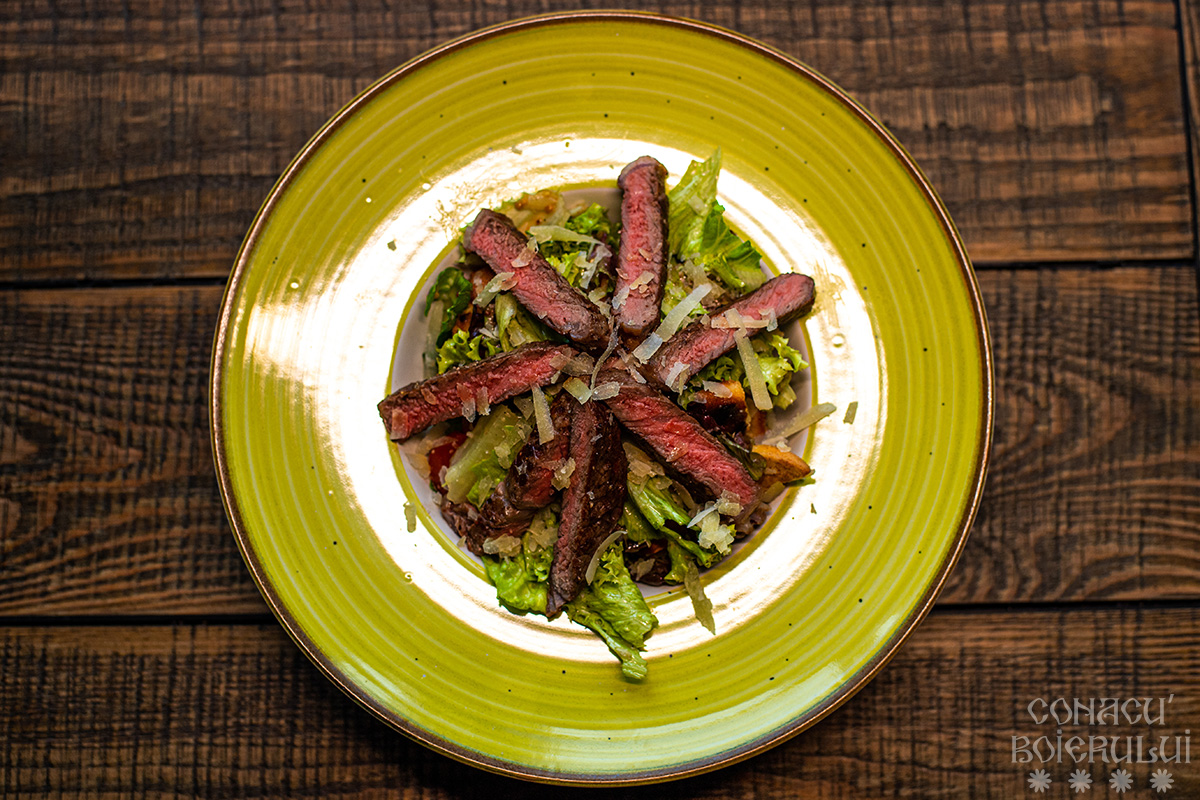 Restaurant Conacu' Boierului, Ponoarele, Mehedinti - Salata cu carne de vita