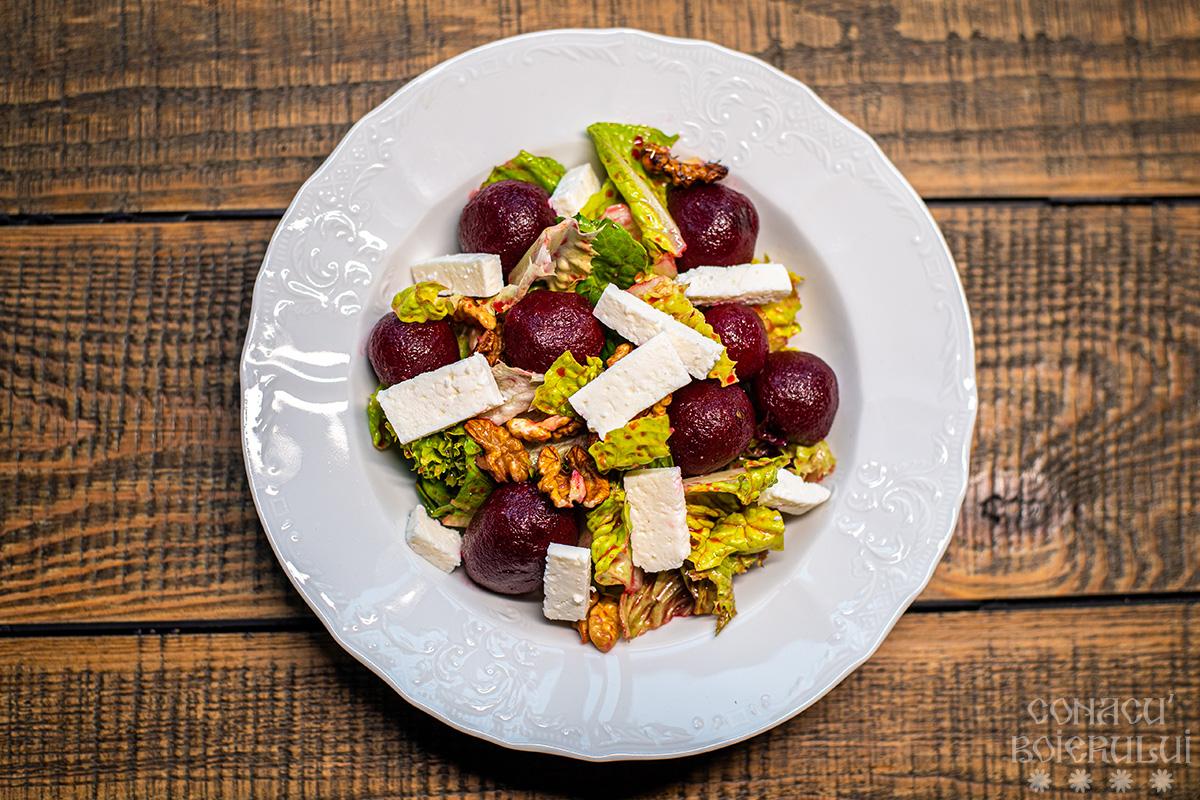 Restaurant Conacu' Boierului, Ponoarele, Mehedinti - Salata cu sfecla rosie si nuci