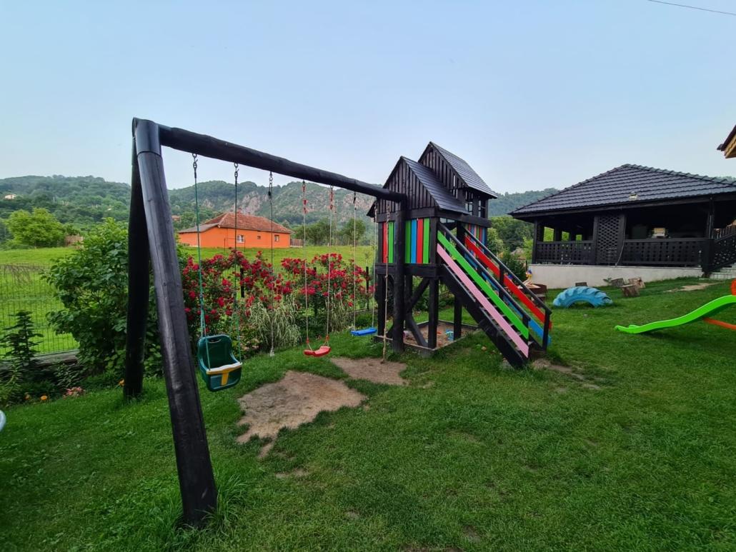 Loc de joaca pentru copii - Conacu' Boierului